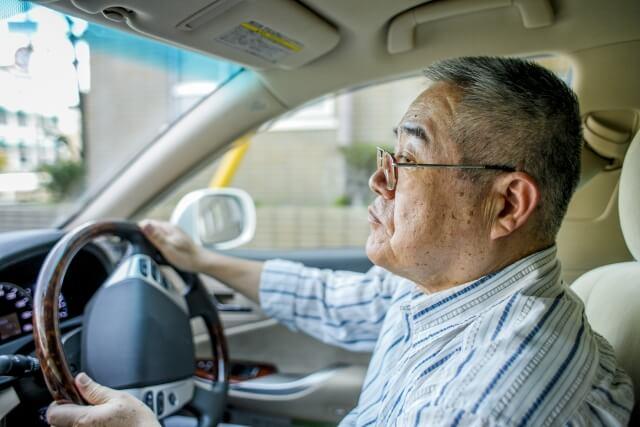 70代の高齢ドライバー