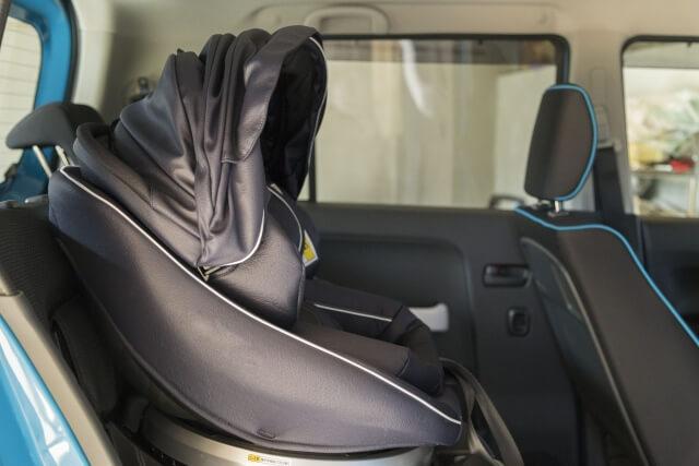 車に搭載されたチャイルドシート
