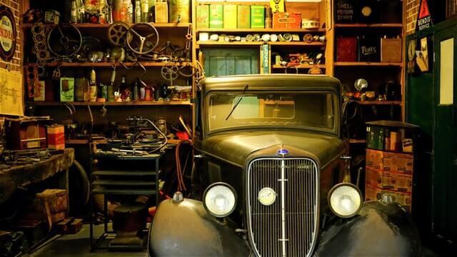 昔のガレージ