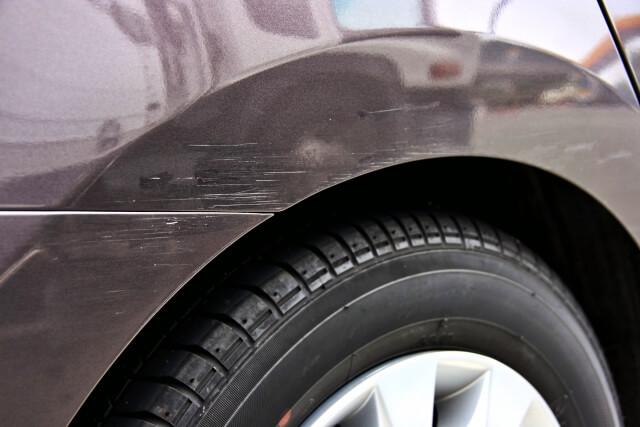 傷が入った車
